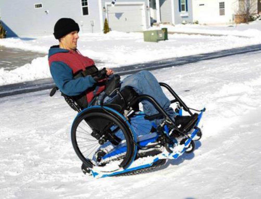 Location- de chenillette pour fauteuil roulant, accès tout terrain