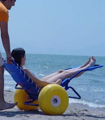 Location de fauteuil d'accès au bain (plage, piscine) pour pmr et handicapé