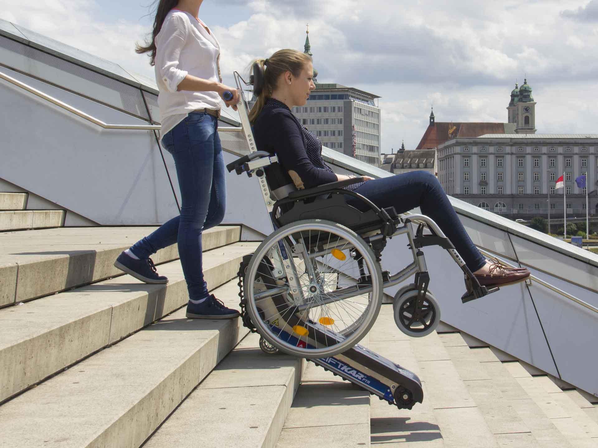 Location de monte escaliers à chenillettes pour déplacement de pmr et handicapés