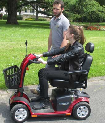 Location de scooter électrique pour handicapés et pmr