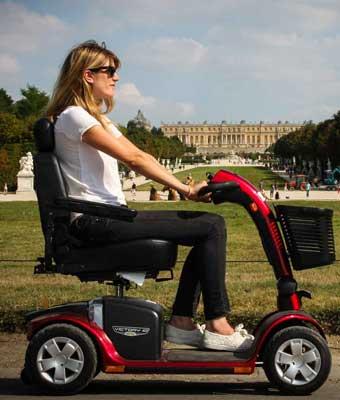 Location de scooter électrique pour pmr ou personne handicapée - tourisme visite - Paris Ile de France