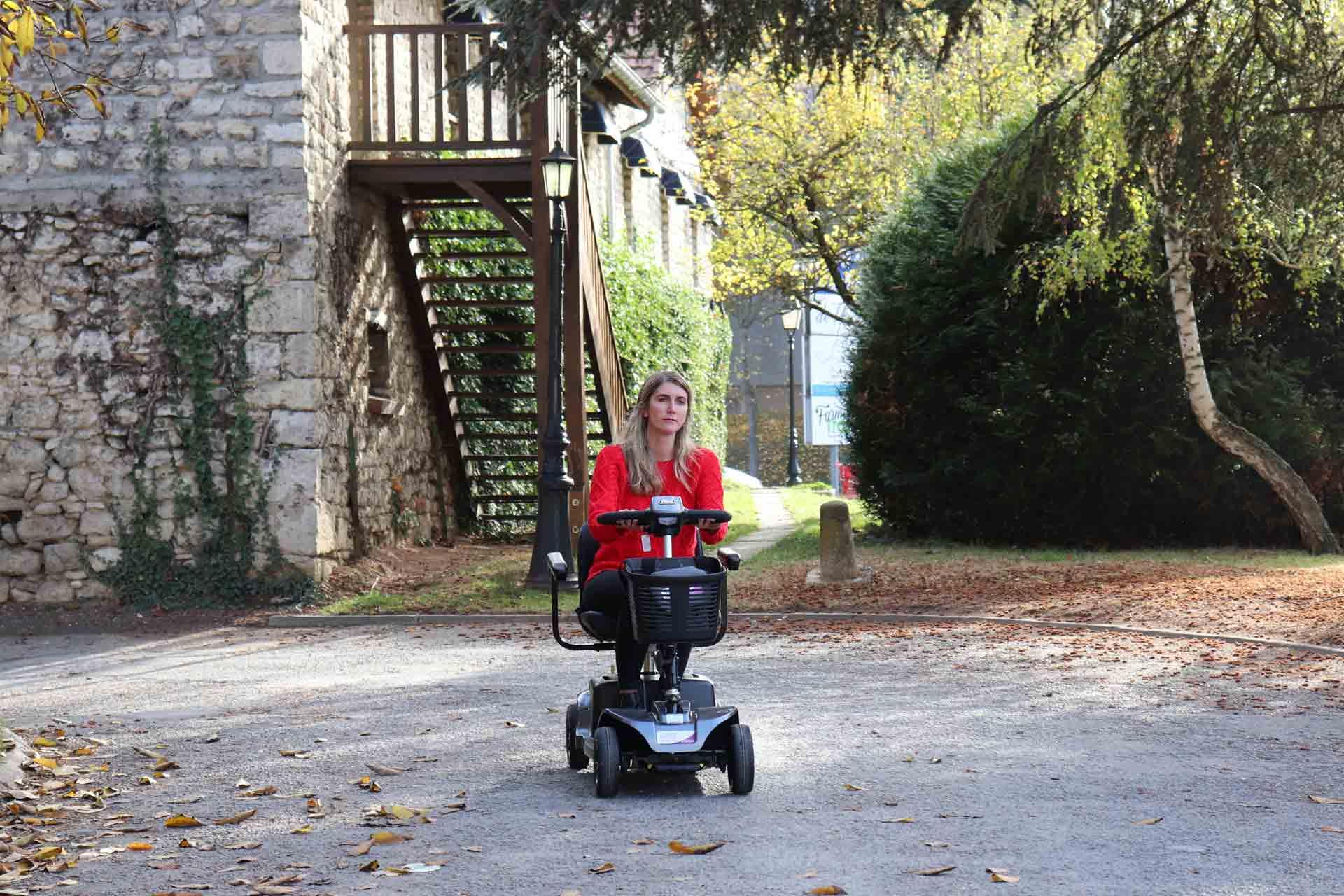 Location scooter électrique modèle REVO pour handicapé et pmr à Paris et France