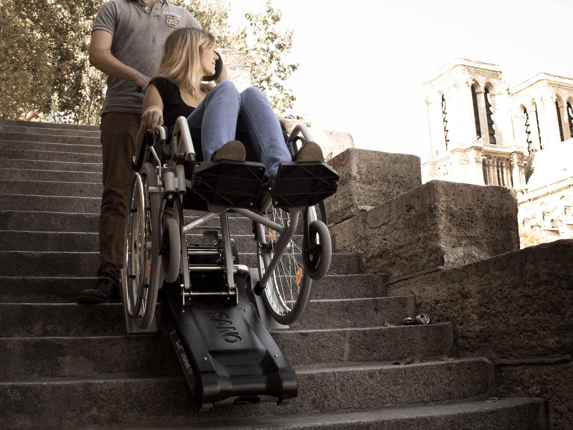 Louer un monte-escaliers à chenillettes pmr