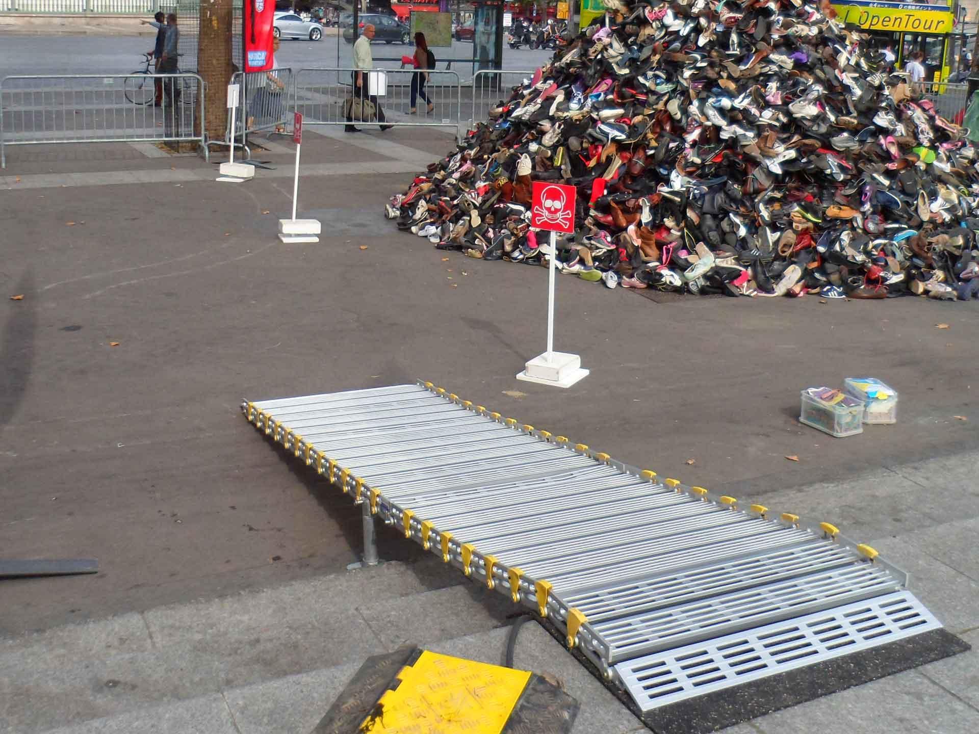 Louer- une rampe d'accès en aluminium pour fauteuil/scooter handicapé et pmr - évènement